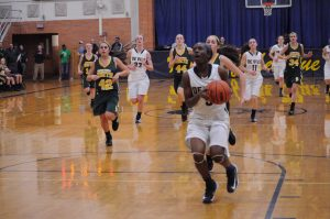 Cierra Rice '15 on the breakaway